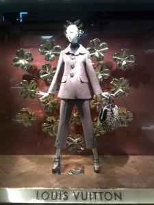 Louis-Vuitton-Christmas-window-display-Jakarta-02