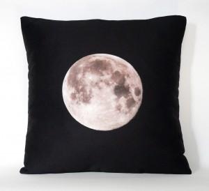 full moom pillow studio dks