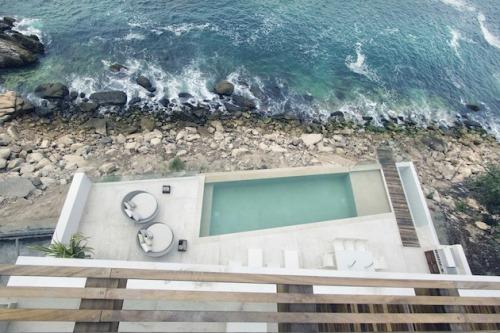 pool beach
