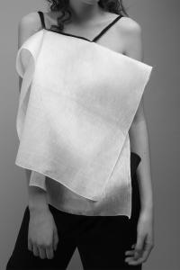 Anna-Michaelis-UdK-Minimalissimo-Linen-Top