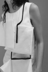 Anna-Michaelis-UdK-Minimalissimo-White-Linen-Dress
