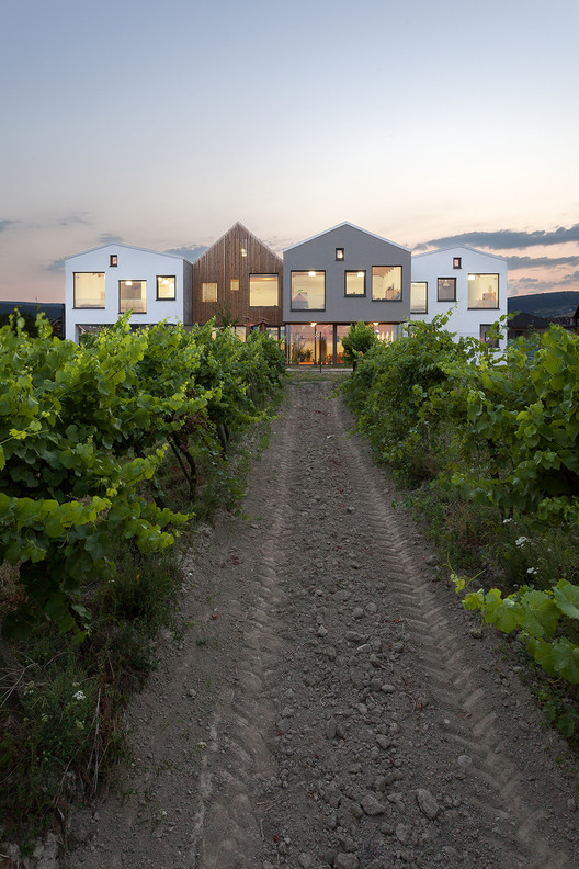 kindergarten over the vineyard, slovakia/architekti.sk